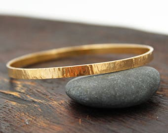 18k Gold Bangle Bracelet. 18k Solid Gold Bangle. Solid Gold Bangle Bracelet. 18k Gold Jewelry. Hammered Gold Bangle Bracelet. Unique Rustic
