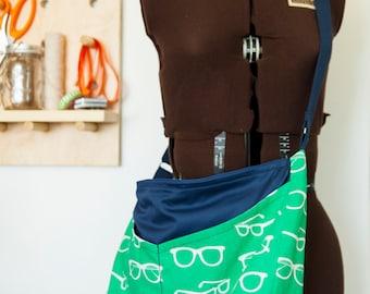 Reading glasses Cross-body Bag in green & blue, with pockets // Diaper Bag // Travel Bag // Beach Bag // Overnight Bag // Gift for women