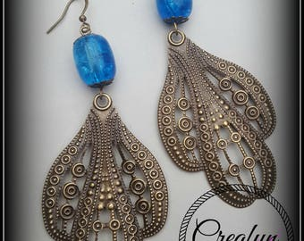 Earrings in bronze and turquoise Crackle glass bead