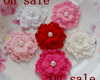 On Sale - 6 Crochet Flowers With Pearls  YH-255-02