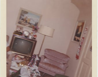 """Xmas 1964 """"Tilted camera accidentally snapped"""" Vintage Snapshot Photo Kodacolor Print [85674]"""