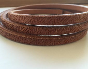 Regaliz Embossed Licorce Leather Tan 10x6mm per 8""