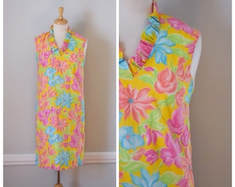 Vintage Dress / 60s Dress / Vintage 60s Dress / Hawaiian Dress / 60s Hawaiian Dress / Shift Dress / Yellow / Floral / Sleeveless / Medium