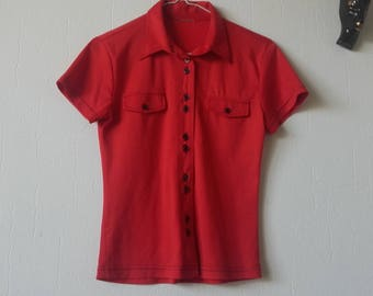 Red 60s shirt woman