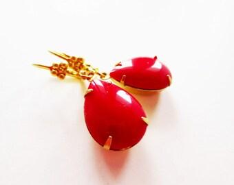 Red estate earrings.  Red jewel earrings.  Teardrop earrings.  Vintage style.  Flower earrings.