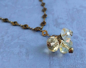 Pale Citrine Yellow Swarovski Crystal Cluster on a Gold-Plated Brass Circle Chain Necklace 1034
