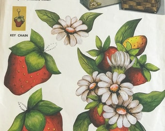 Vintage Strawberry And Daisies Craft