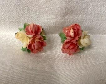 Delicate, Pretty, Mid-Century Shell Earrings