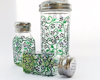 Spring set, includes salt and pepper shakers and sugar dispenser