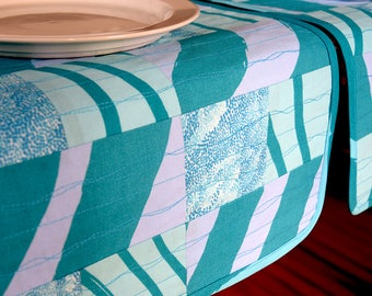 Quilted placemats Marimekko fabric - teal blue placemats - Marimekko Silkkikuikka - blue placemats - summer table decor - Marimekko Hamaja
