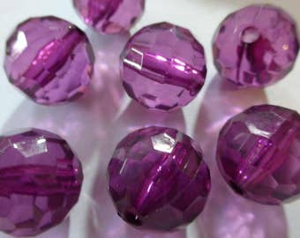 Vintage Purple Faceted Round Lucite Beads 15 or 20mm  (10)