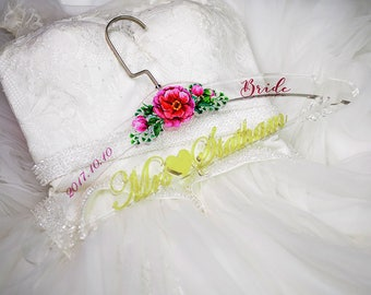 Bridal Shower Gift, Personalized Wedding Hanger, Bridal Hanger, Clear Acrylic Wedding Dress Hanger,  Gift for Bride, Shower Gift, TM001