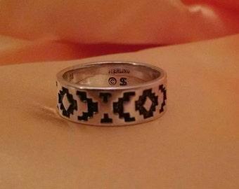 Beautiful Sterling Silver 925 Native American Southwestern Design, Artisan Signed