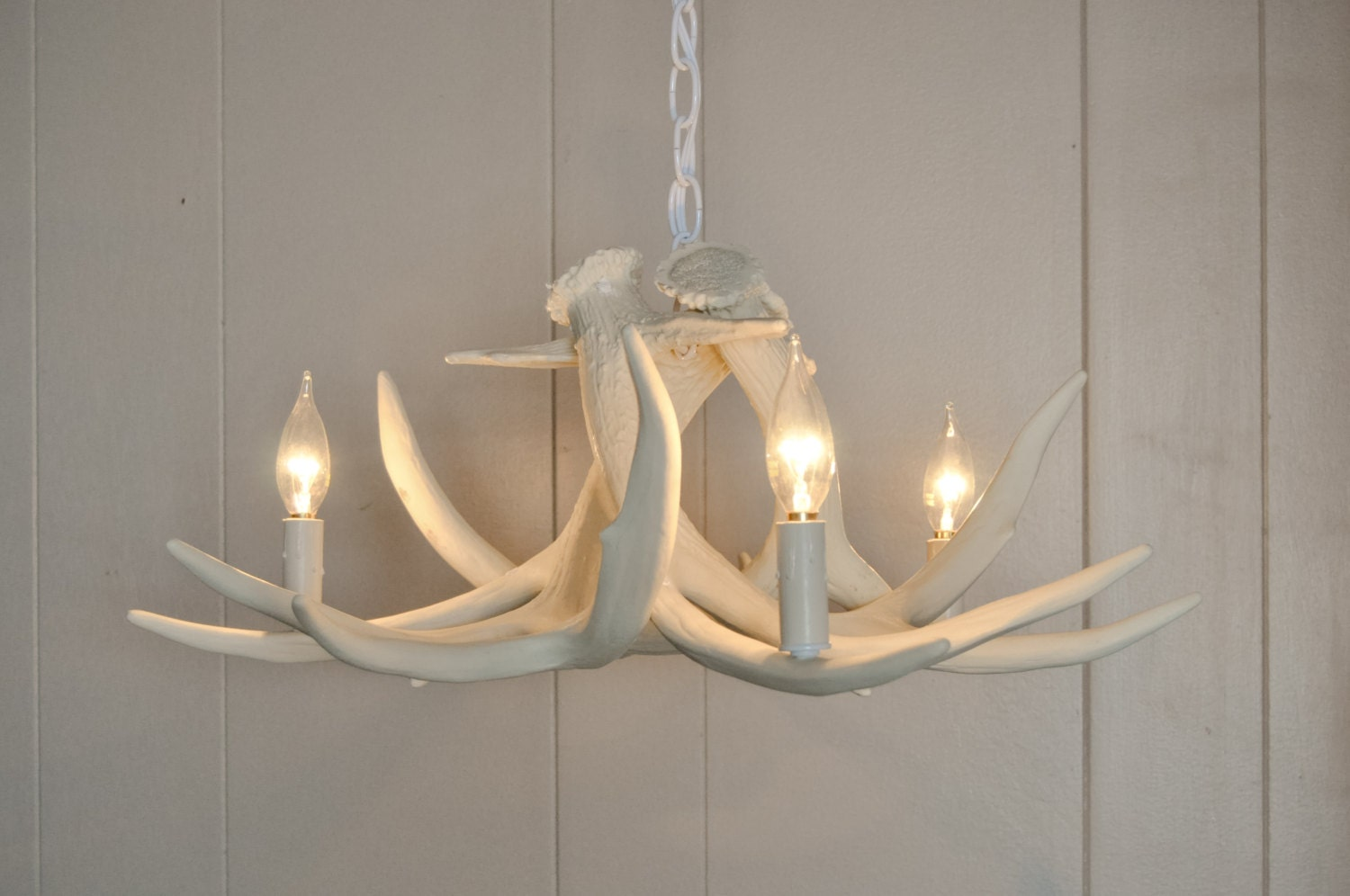 White antler chandelier faux antler chandelier w3c antler zoom arubaitofo Images