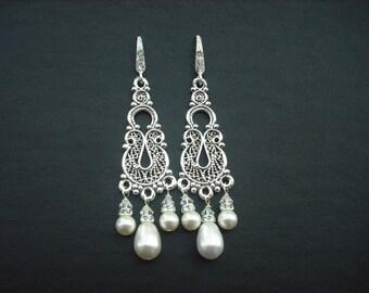 Rhinestone Pearl earrings,  Bridal Earrings, Vintage Style Bridal Earrings, Weddng Jewelry