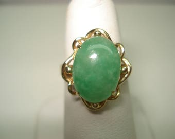 14 Kt Gold Cabochon Jade 14mm by 10mm Ring Size 6.25