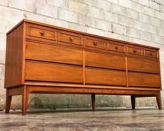 Dixie Mid-Century Modern Walnut 9-Drawer Dresser / Credenza / Buffet
