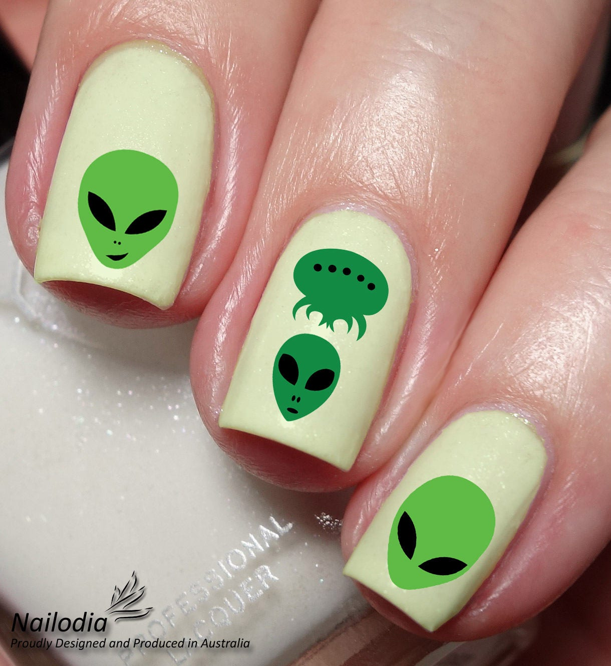 Alien Nail Art Sticker Water Transfer Decal 124