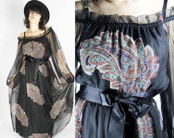 Schwarzes Vintage 70er Maxikleid PAISLEY - S - Floral Bunt Muster Chiffon Transparent Schulterfrei Hippie Boho Folk Festival Gypsy Print