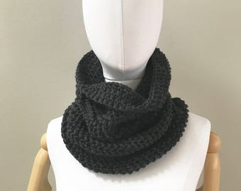 Chunky wool cowl : charcoal gray | super soft lambswool blend | single loop snood scarf | non bulky | neck warmer | handmade | knit crochet