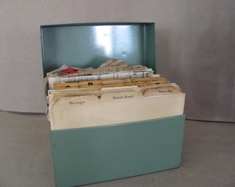 Vintage Recipe Box, 1960s Metal Recipe Box, Recipe File, Vintage Recipes, Newspaper Recipe Clippings, Recipe Collection, Mid Century Kitchen