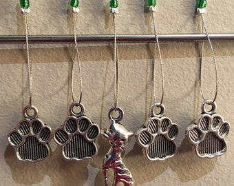 Cat with paw prints stitch markers