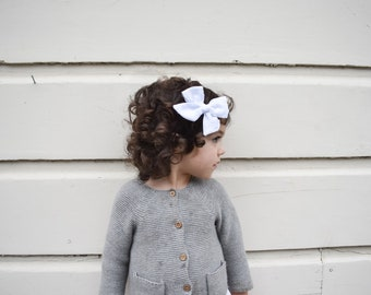 Knot Bow Style// Clip-Dot Fabric// White