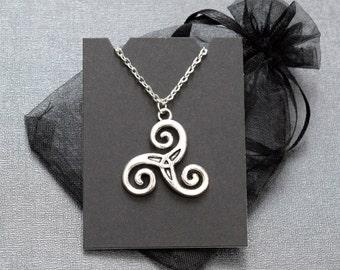 Teen Wolf Triskelion necklace – Derek Hale spiral Triskele tattoo – fandom cosplay jewellery / jewelry