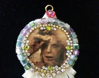 Ziggy Stardust Pendant - David Bowie tribute piece