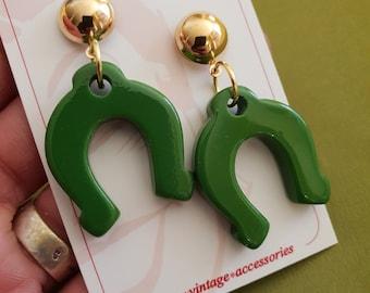 Delilah Horseshoe Stud Earrings - Forest Green