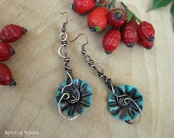 Copper flower earrings Black flower earrings Copper flower dangle earrings Flower earrings dangle Wire wrapped earrings Metal flower jewelry