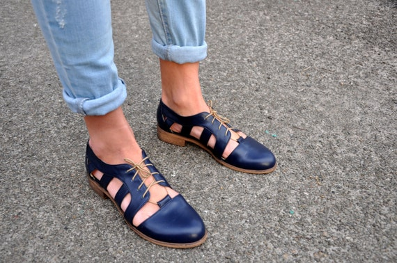 Nassau Womens Cutout Oxfords Oxford Sandals Leather