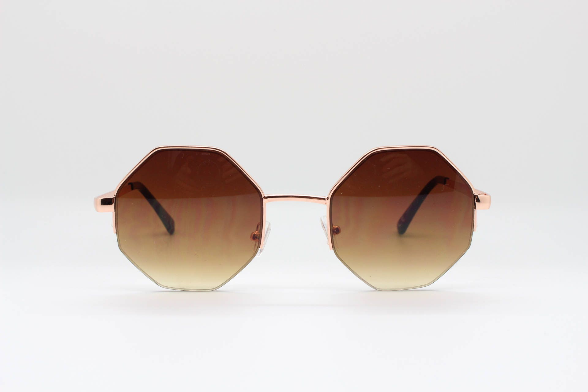 Achteck-Sonnenbrille. Braun 8 doppelseitige 60er Jahre Stil