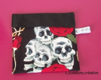female skull and red rose design fabric protective pouch