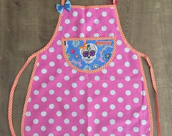 Apron pink with polka dots and skull