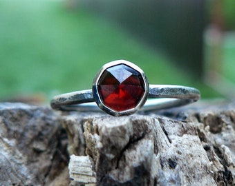 Delicate Sterling Silver Ring with Natural faceted Garnet Gemstone, Healing Stone, Stacker Ring, Minimalist Ring