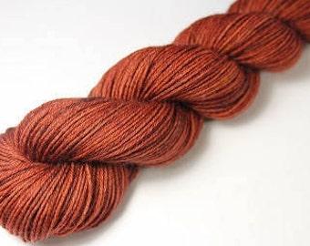 Skein hand - dyed Fingering - superwash Merino - and Nylon 50 g / 200 m - GANACHE