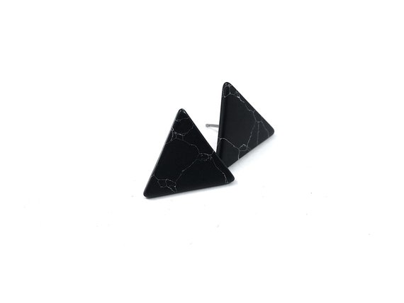 Black turquoise triangle stud earrings - Pure titanium and gemstone