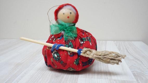 German Erzgebirge wooden witch doll rag Vintage Christmas kitchen nutcracker print Figurine Retro made in Germany DDR