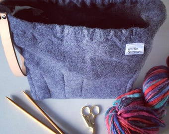Grey / Gray felt knitting bag / crochet bag / craft bag / yarn bag / weaving bag / project bag with leather strap / waffle and weave