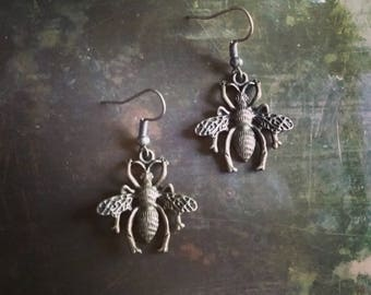 Antiqued Bronze Wasp Earrings // Woodland Collection // Stocking Stuffer // Gift Wrapped // Ready to Ship!
