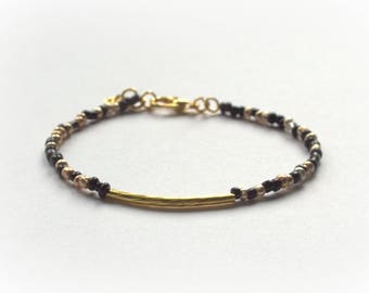 Chic bohemian Style - color gold and black - seed beads bracelet - delicate and feminine Bracelet
