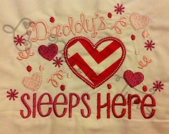 Daddy's heart sleeps here, girls pillowcase, girls bedding, embroidery pillowcase, custom colors, custom fabric, pillowcase, pillow cover