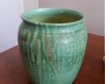 Vintage 1970's Art Pottery Vase Drip Glaze Emerald Green Mid Century Modern Beautiful Form Cassiday Stoneware MCM