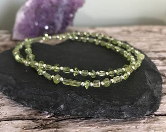 Dainty Peridot Necklace, Nugget Necklace, August Birthstone Necklace, Peridot Jewellery, Thin Gemstone Necklace
