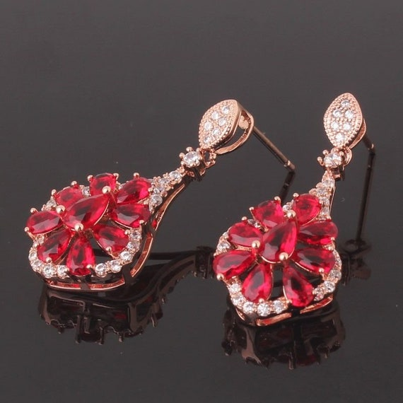 Lovely Edwardian style 18 ct rosegold filled ruby red sapphire crystal drop earrings