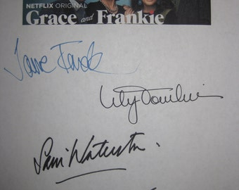 Grace and Frankie Signed TV Script Screenplay Autograph X5 Jane Fonda Lily Tomlin Sam Waterston Martin Sheen Brooklyn Decker signature