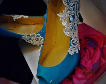 Blue lace pumps size 5(1/2)