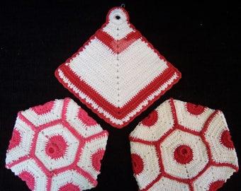 Vintage Hand Crochet Pot Holders - Kitchen Décor - Farmhouse Kitchen - Wall Art