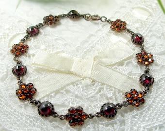 Vintage garnet bracelet in Victorian style // AX6R33 #WPK